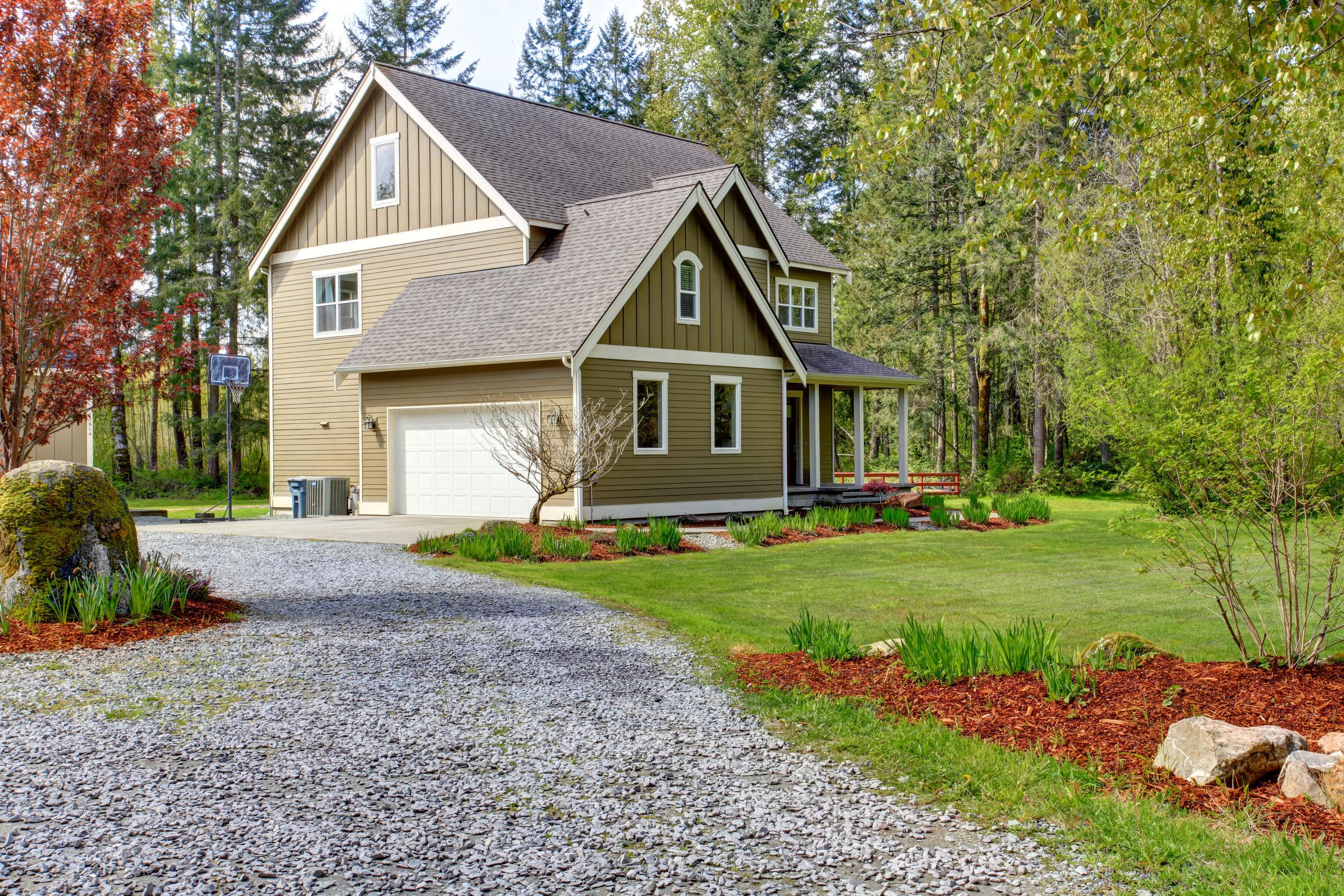 residential paving - gravel driveway